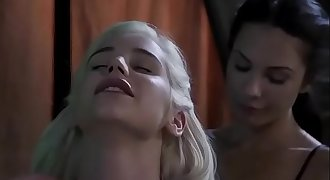 Khaleesi seduced by the maid - Game of Thrones parody